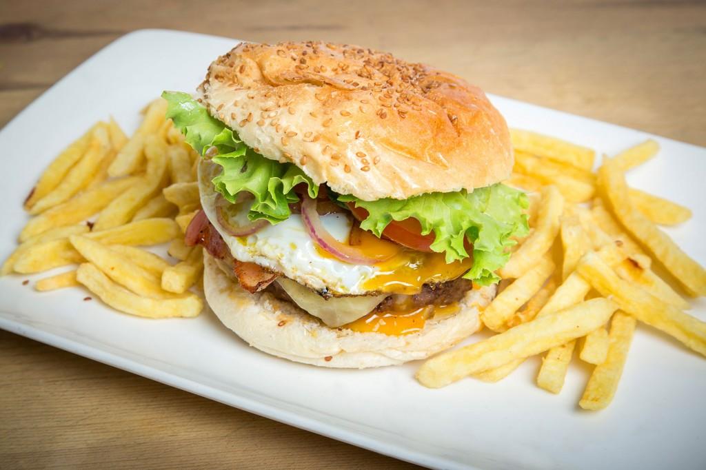 fotografia-gastronomica-hamburguesas-huevo