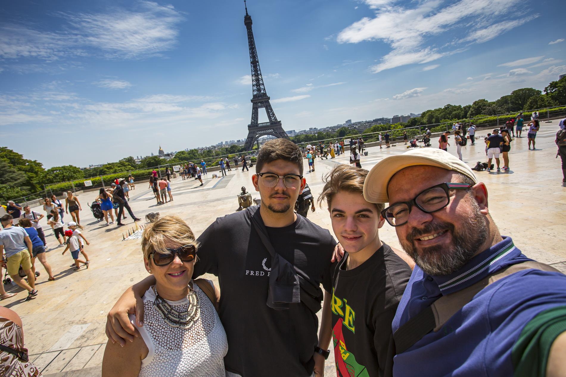 SELFIE-TORRE-EIFEL-PARIS