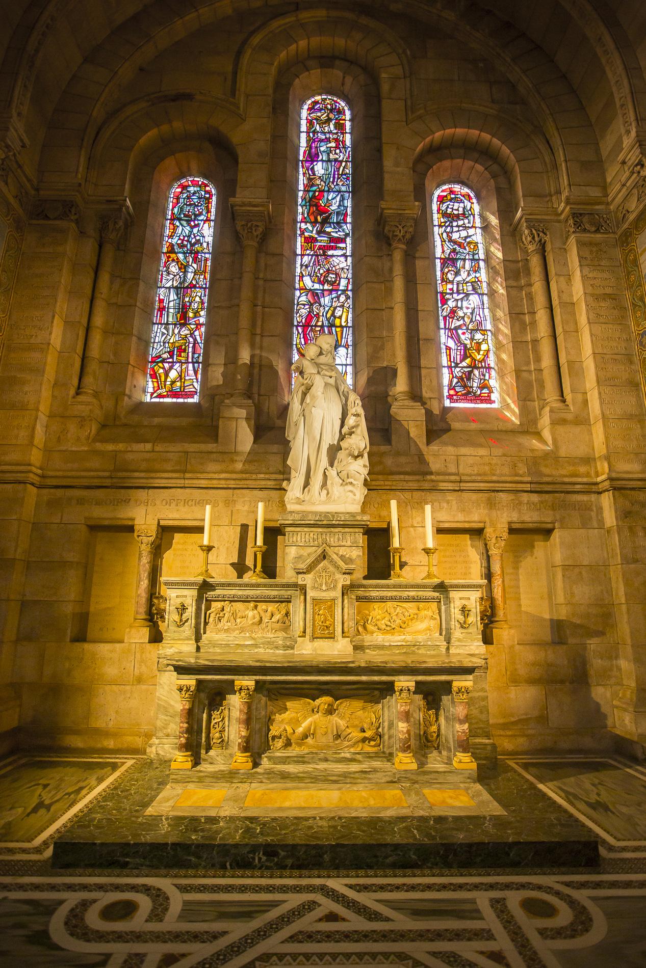 Interior Basílica Sagrado Corazón - París