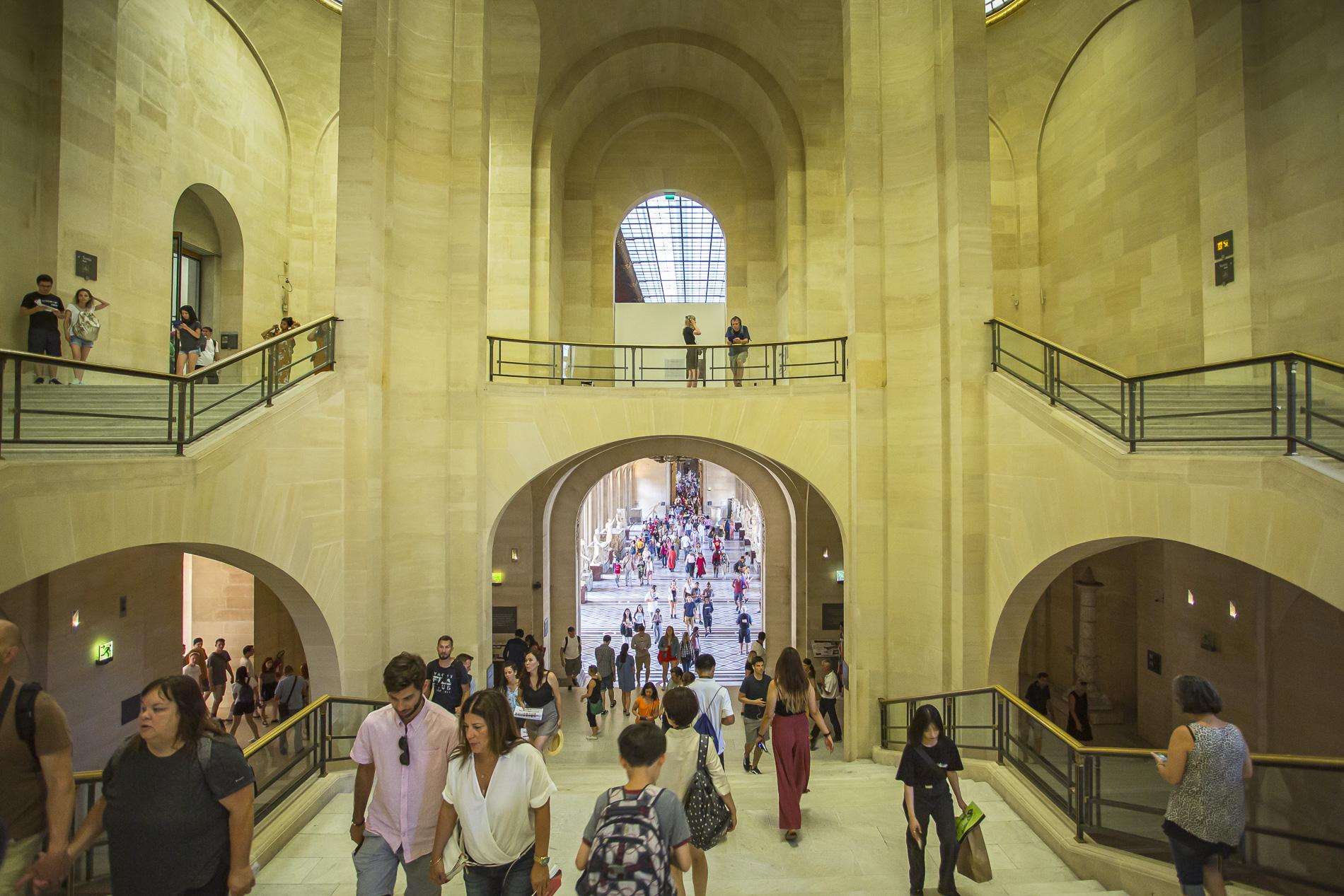 Interior Museo Louvre - París