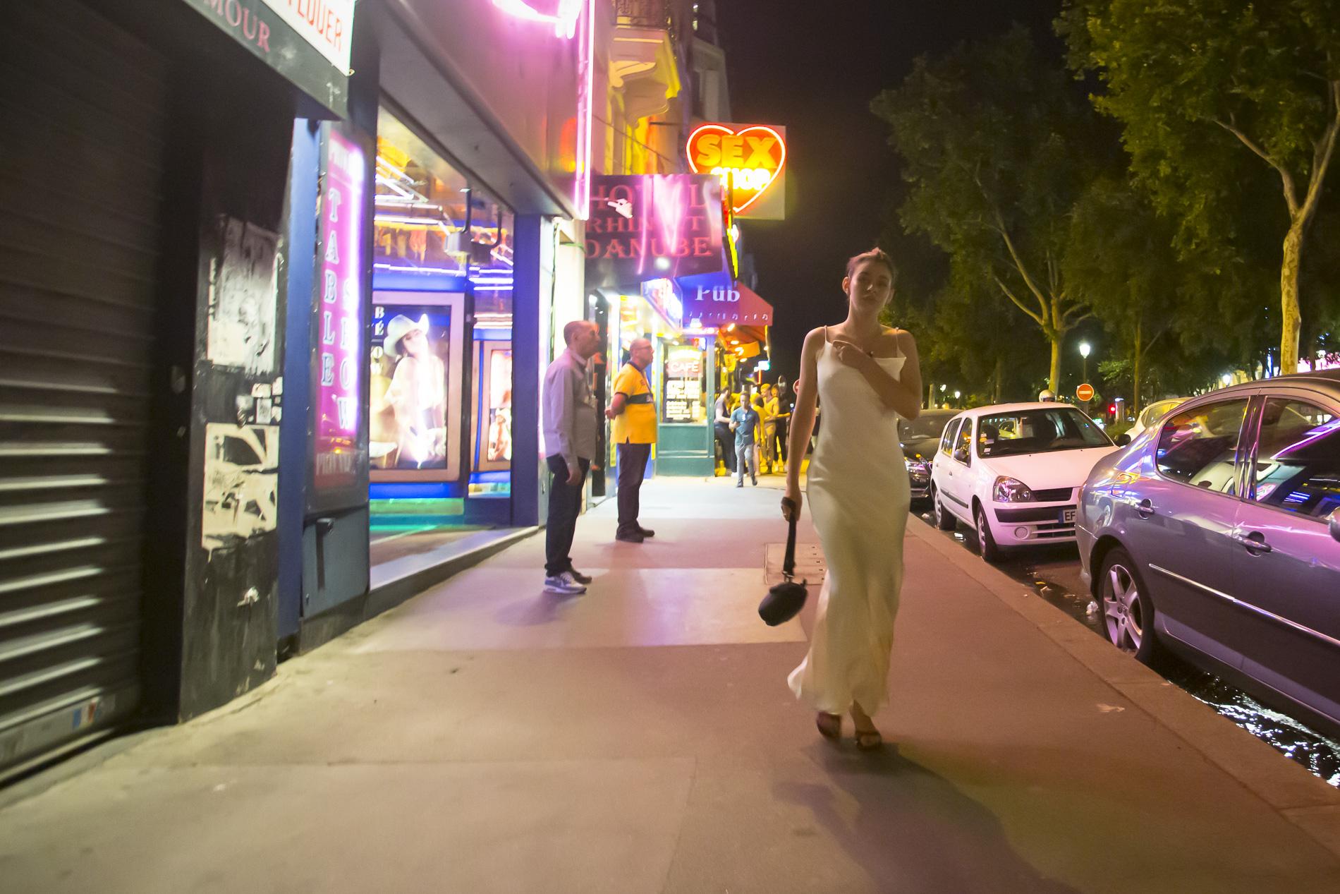 La ciudad de París por la noche