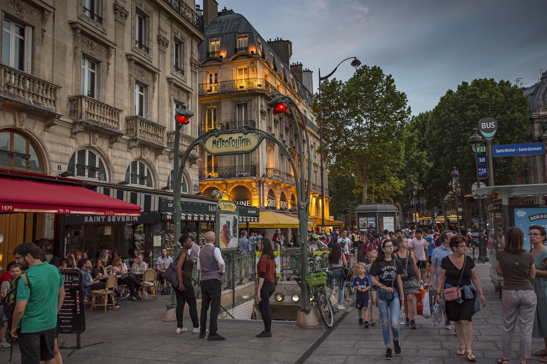 metropolitan París